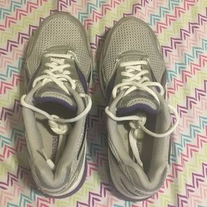 Woman Reebok shoes - size 8.5